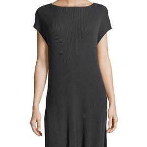 ❌SOLD ❌ Eileen Fisher cap sleeve bateu neck tunic